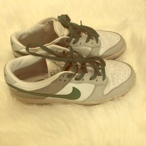 Used men's Nike dunks green grey and white 11.5